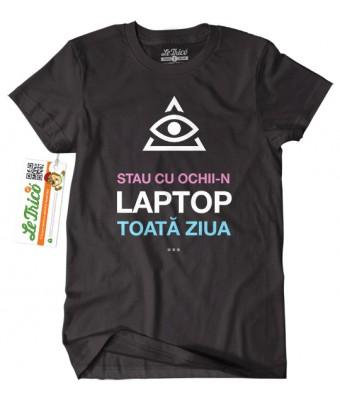 Cu ochii-n laptop